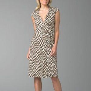 DVF Colony Club 100% Silk Griffith Wrap Dress